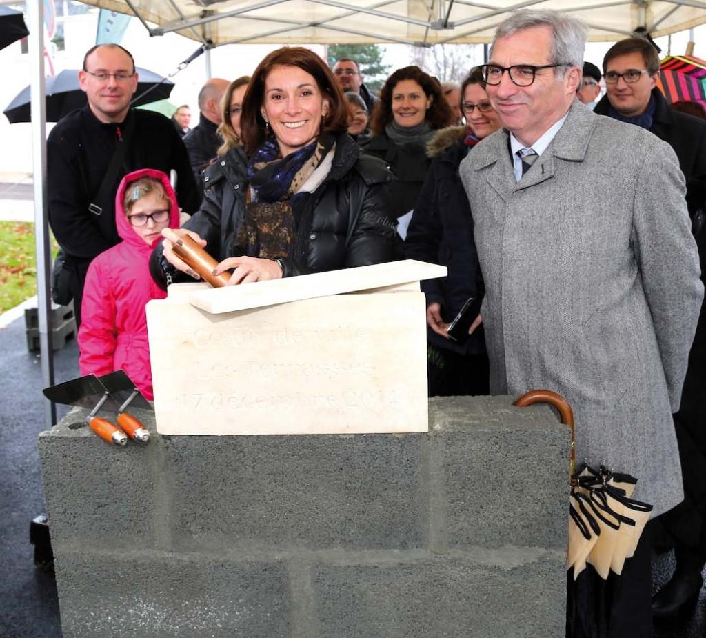 Virginie Carolo, Maire de  Gravenchon, et Alain Kendirgi, Directeur général de la SHEMA